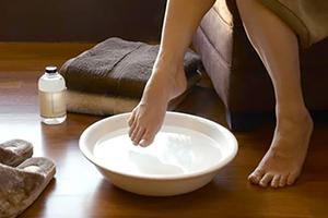 Чем вылечить грибок ногтей на ногах быстро