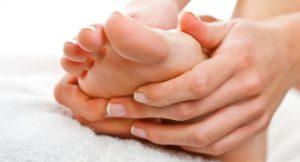 Трещины между пальцами ног причины и лечение